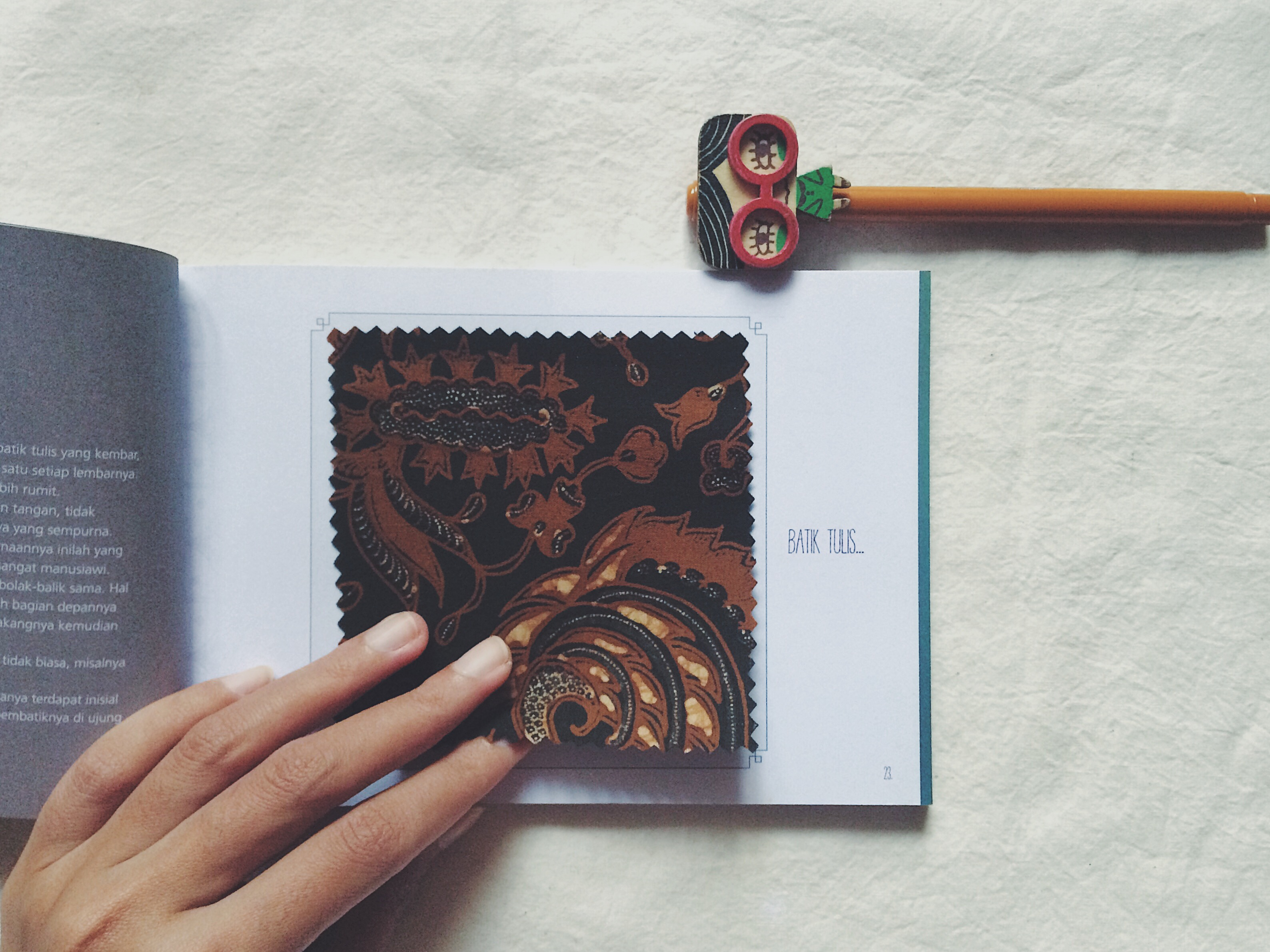 Buku Wastra Cerita Batik Bramandewi